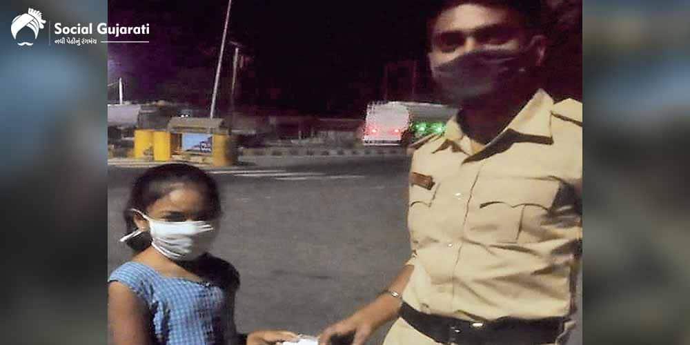 મહામારી સામે લડવા માટે આ ગરીબ પરિવારની દીકરી આપ્યું આટલું દાન..પોલીસ પણ દ્રવી ઉઠી