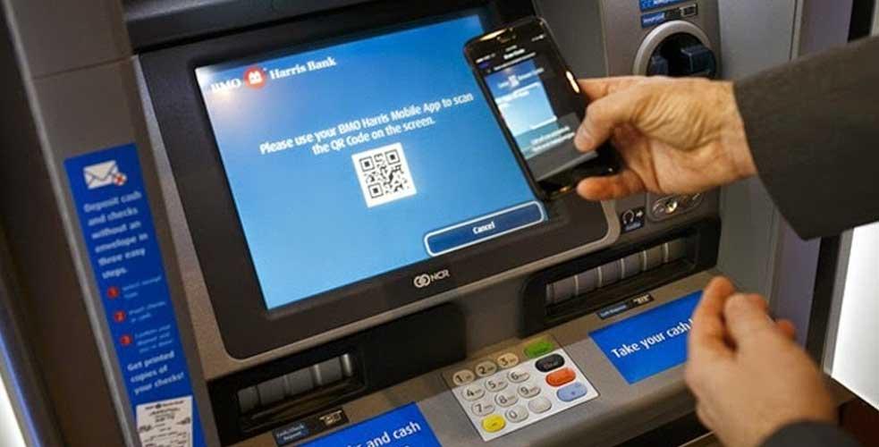 કોરોનાને ધ્યાનમાં રાખીને અપડેટ થયા નવા ATM… ATM ને સ્પર્શ કર્યા વગર ઉપડી શકશે પૈસા.