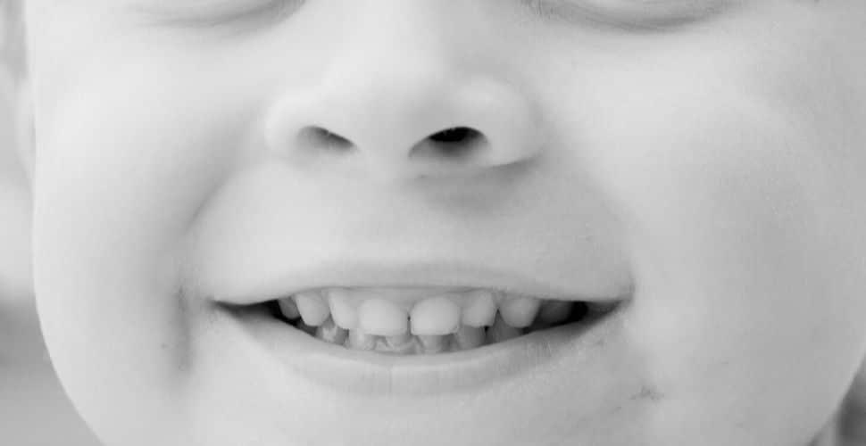 જન્મથી બે-ત્રણ વર્ષ સુધી બાળકો બ્રશ નથી કરતા, તેમ છતાં તેના મોં માંથી દુર્ગંધ નથી આવતી, શા માટે ?